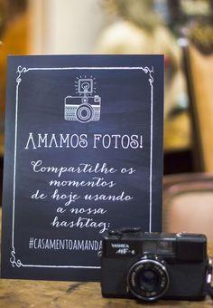 Papelaria econ??mica de casamento da Em Breve Casadinhos - Amamos fotos. Compartilhe os momentos de hoje usando nossa Hashtag