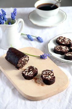 Chocolate Salami Recipe, Chocolate Biscuits, Hot Chocolate, Romanian Desserts, Romanian Food, Romanian Recipes, Cookie Recipes, Dessert Recipes, Baked Rolls
