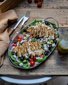 Healthy Grilled Chicken Salad Recipe (Greek Style) A low-calorie, low-carb, and super healthy grilled chicken salad recipe that you can incorporate in many weight loss diets, including Paleo or Clean. Healthy Grilling, Grilling Recipes, Keto Recipes, Healthy Recipes, Grilled Chicken Salad, Chicken Salad Recipes, Onion Relish, Salad Dressing Recipes, Greek Salad