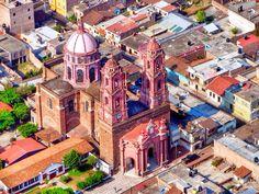 Jiquilpan Michoacan pueblo magico. Iglesia sagrado corazon.