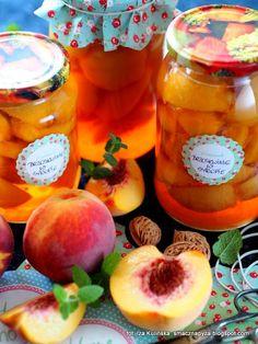 słodkie brzoskwinie w lekkim syropie , brzoskwinie lepsze niż z puszki , brzoskwinia , owoce , do słoików , słoiki , moja spiżarnia , na zimę , syrop cukrowy , kompot z brzoskwiń Canning Recipes, Preserves, Peach, Homemade, Fruit, Vegetables, Cooking, Foodies, Canning