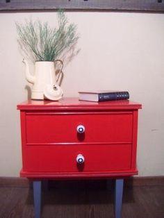mesa de luz retro vintage