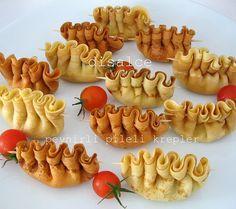 kahvaltı için peynirli krep