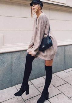 How to wear a jumper dress on the right: 9 cool knit dresses .- Wie man ein Pulloverkleid rechts t. Sweater Outfits, Dress Outfits, Casual Outfits, Fashion Outfits, Fashion Trends, Fashion Top, Tee Dress, Knit Dress, Pullover Outfit