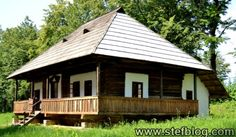 casa-traditionala-lemn Design Case, Traditional House, Home Fashion, Romania, Gazebo, Places To Visit, House Design, Outdoor Structures, Small Homes