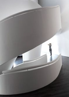 Image 19 of 43 from gallery of Villa for Younger Brother / Nextoffice - Alireza Taghaboni. Photograph by Parham Taghioff Architecture Today, Arch Architecture, Futuristic Architecture, Archi Images, Tehran Iran, Construction, Dezeen, Curvy, Villa