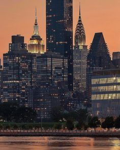 """8,939 Likes, 89 Comments - Elena (@pictures_of_newyork) on Instagram: """"Two in one! Two stunning landmarks by Zura @zura.nyc #picturesofnewyork"""""""