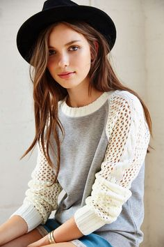 Kimchi Blue Sweater-Sleeve Sweatshirt - Urban Outfitters