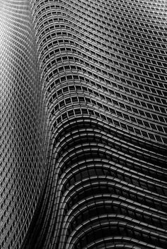 Arquitecture is design aligned with culture. Find the best projects here. Minimal Photography, Abstract Photography, Black And White Photography, A As Architecture, Beautiful Architecture, Perspective Photography, Zentangle, Textures Patterns, Photo Art