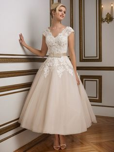 20+ 2nd Marriage Wedding Dresses - Dress for Country Wedding Guest Check more at http://svesty.com/2nd-marriage-wedding-dresses/