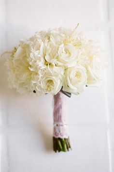 white bouquet roses www.couturemakeup.wordpress.com