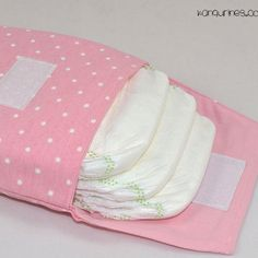 Diaper bags – Bag World Quilt Baby, Baby Sewing Projects, Sewing Crafts, Diaper Clutch, Diaper Bags, Baby Embroidery, Girls Bags, Toddler Preschool, Baby Decor