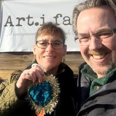 We found a heart! What a delight! We own Art.i.fact a consignment boutique in Santa Fe. Every morning when we open, we roll out a vintage coffee cart that has a welcome sign and a vintage typewriter. This morning, we went to to take out the cart and found a lovely teal heart with gold sparkles. What a day brightener! Thank you, dear heart maker, for a great start to our day! #ifaqh #ifoundaquiltedheart