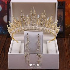 A-Line Wedding Dresses Collections Overview 36 Gorgeou… Royal Jewelry, Tiffany Jewelry, Cute Jewelry, Hair Jewelry, Jewelry Sets, Gold Jewelry, Bridesmaid Jewelry, Wedding Jewelry, Mode Rose