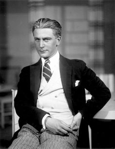 Anton Walbrook photographed by Ursula Richeter, 1928.