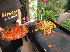 Tranche de jambon à la sauce tomate/olives avec des légumes de saison
