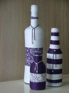 As garrafas decoradas, além de ficarem perfeitas na decoração de interiores, também podem ser usadas para embelezar qualquer tipo de festa. Um toque de beleza no seu dia-a-dia! Encomendas pelo Whatsapp: (63) 98412-1962. #winebottlecrafts