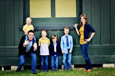 Such a cute family and full of testosterome!  4 boys!!!