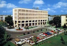 Complexul mestesugaresc in Piata Independentei din Vaslui in anii '70...  http://tesalut.ro/vaslui/?kid=3  (photo by Unknown)