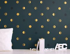 gold dotted walls!!