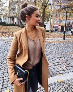 winter outfits formales Pretty Winter Outfits You Can Wear on Repeat Fashion Place Winter Outfits Women, Fall Outfits, Fashion Outfits, Fashion Trends, Fashion Women, Cheap Fashion, Fashion 2018, Fashion Fashion, Fashion Online