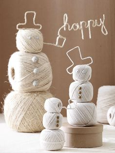 Build a snowman indoors with giant balls of twine. Learn how to make this Festive Twine Snowmen: http://www.bhg.com/christmas/crafts/christmas-snowmen-crafts/#page=5