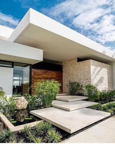Super Exterior House Design Dream Homes Ideas Modern Entrance Door, House Entrance, Best Modern House Design, House Front Design, Modern Architecture House, Architecture Details, Yucatan Mexico, Fachada Colonial, Ultra Modern Homes