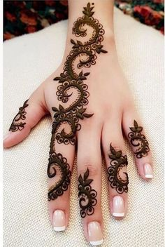 Floral Latest Mehndi Designs 2019 For Hands, There is the growing trend of mehndi designs, also known as henna tattoo designs which is now the main element for women. Mehndi Designs 2018, Modern Mehndi Designs, Mehndi Designs For Fingers, Beautiful Mehndi Design, Mehndi Design Images, Simple Mehndi Designs, Henna Tattoo Designs, Mehandi Designs, Latest Mehndi