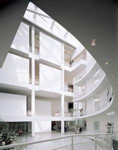 High Museum of Art (Richard Meier) That damn infectious white modernistic aesthetics, so sterile yet so strangely beautiful