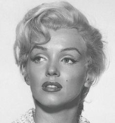 """Marilyn Monroe close-up for """"River Of No Return"""", 1954 Marylin Monroe, Marilyn Monroe Frases, Marilyn Monroe Fotos, Marilyn Monroe No Makeup, Marilyn Monroe Costume, Most Beautiful Women, Beautiful People, Actrices Hollywood, Norma Jeane"""