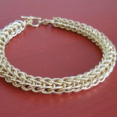 Persian Jump Ring Chain.  Free Step-by-Step Instructions.  Visit the website for step-by-step instructions, kits and supplies and other chainmail projects