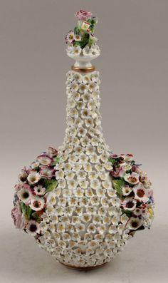"JACOB PETIT PARIS PERFUME SCHNEEBALLEN VASE FLACON FLASK ""SNOWBALL"" 1830 in Pottery, Porcelain & Glass, Date-Lined Ceramics, Pre-c.1840 | eBay"