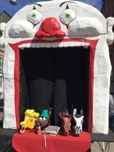 KarnevalsKoloritterne float. Freak Circus. Horsehead is for wearing
