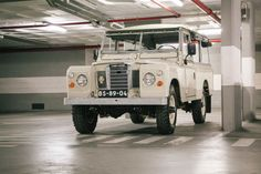 This Vintage Land Rover SIII 109 Overdrive Is Just Legendary | Airows
