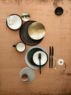 servies: ((love the plates & the coasters are bananas )) dope!