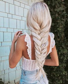 10 Braided Hairstyles With Bangs For Ideas Face Shape Hairstyles, Hairstyles With Bangs, Summer Hairstyles, Pretty Hairstyles, Straight Hairstyles, Braided Hairstyles, Hairstyles 2018, Hairstyles Games, Dance Hairstyles