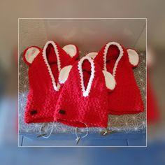 Cagoules doudoune de noël Crochet Earrings, Artisan, Coin Purses, Handkerchief Dress, Purse, Craftsman