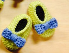 This is an easy pattern for super cute baby slippers. :)