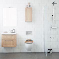 Trefargede møbler mot hvite vegger - vakkert! Fra INR Norge  #INR #Inrnorge #baderom #bathroom #badrum #bathroomideas #tipstilbadet #tipstilhjemmet #interiør #interiørinspirasjon #interiørmagasinet #interior4you1 #interior123 #interior4all #norskehjem #nordiskehjem by vvseksperten Bathroom designs.