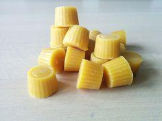 Bijenwaskaarsen.nl: Zuivere bijenwas in kleine pastilles om zelf te ve...