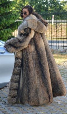 Long Fur Coat, Fur Coats, Coat Of Many Colors, Animal Fur, Fabulous Furs, Fur Fashion, Fox Fur, Sustainability, Naked
