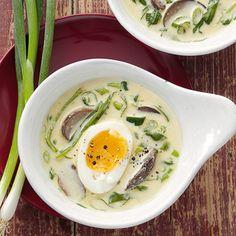 Frühlingssuppe mit Ei (Sauerampfer)