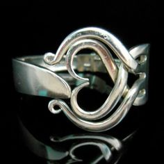 cute for a fork ring/ Fork bracelet. Fork Jewelry, Jewelry Box, Jewelry Bracelets, Jewelry Accessories, Jewelry Design, Jewelry Making, Leather Bracelets, Leather Cuffs, Metal Jewelry