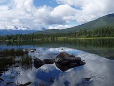 Pyramid Lake, Jasper National Park. Would love to go here one day