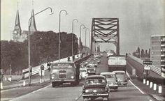 De brug over en Deventer in zoals het er uitzag eind jaren '50