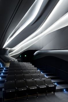 The Perot Museum of Nature and Science, conceived as an immersive, curiosity-stimulating environment, resides in Victory Park within the heart of the Arts Di. Hall Interior, Yacht Interior, Architecture Details, Interior Architecture, Glass Partition Wall, Theatrical Scenery, Auditorium Design, University Architecture, Courtyard Design