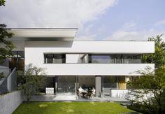 MODERN WHITE BOX: House Heidehof / Alexander Brenner Architects.