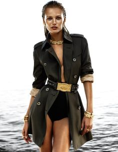 High fashion military inspired! Loving the gold accents, especially the belt! - Socialbliss