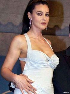 Monica Bellucci, Hollywood Celebrities, Hollywood Actresses, Hollywood Fashion, Divas, Bond Girls, Italian Actress, Italian Beauty, Jolie Photo
