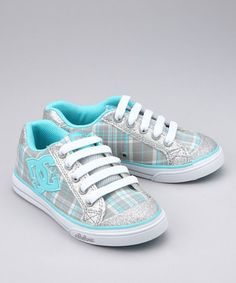 Love. Love. Frickin Love. She has to have them. I want them in my size.